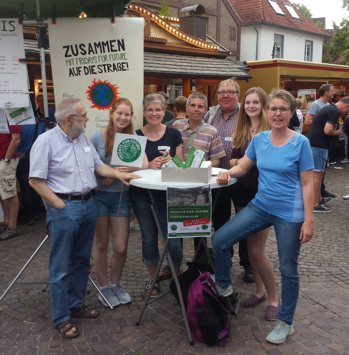 Parents for Future - Gruppe in Enger auf dem Abendmarkt